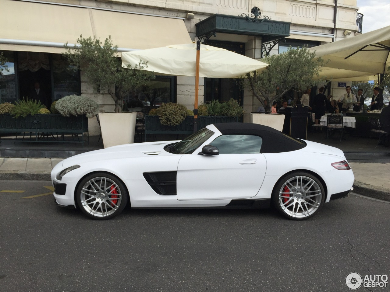 mercedes benz brabus sls amg roadster 25 october 2015 autogespot. Black Bedroom Furniture Sets. Home Design Ideas