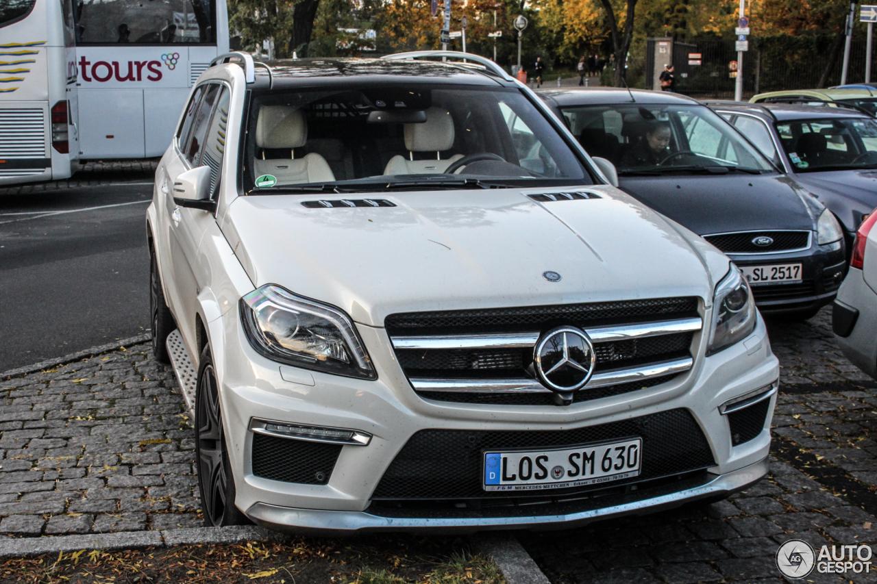 Mercedes benz gl 63 amg x166 25 october 2015 autogespot for Mercedes benz gl amg 2015