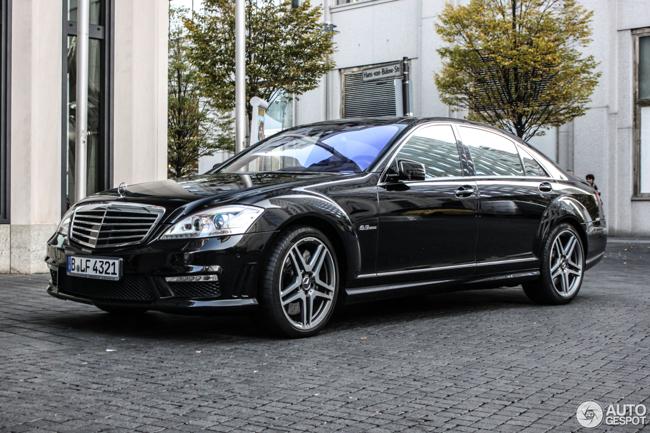 Mercedes benz s 63 amg w221 2010 28 october 2015 for Mercedes benz w221 price