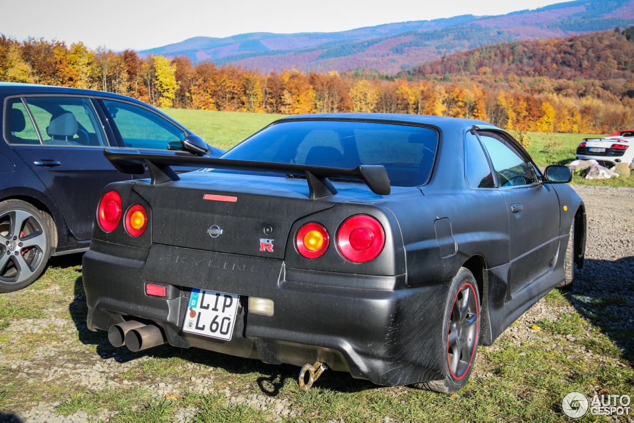 nissan skyline r34 gt r 1 november 2015 autogespot. Black Bedroom Furniture Sets. Home Design Ideas
