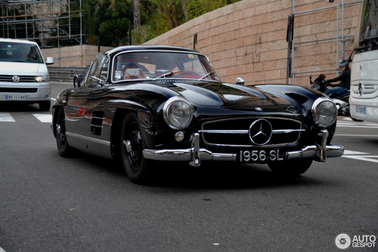 Mercedes benz 300sl gullwing 2 november 2015 autogespot for Mercedes benz 300sl gullwing for sale