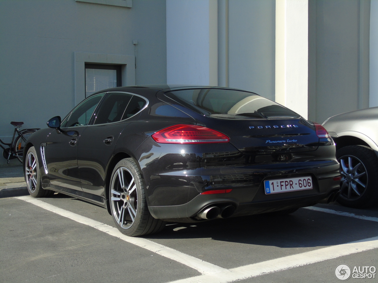porsche panamera turbo mkii 2 november 2015 autogespot. Black Bedroom Furniture Sets. Home Design Ideas