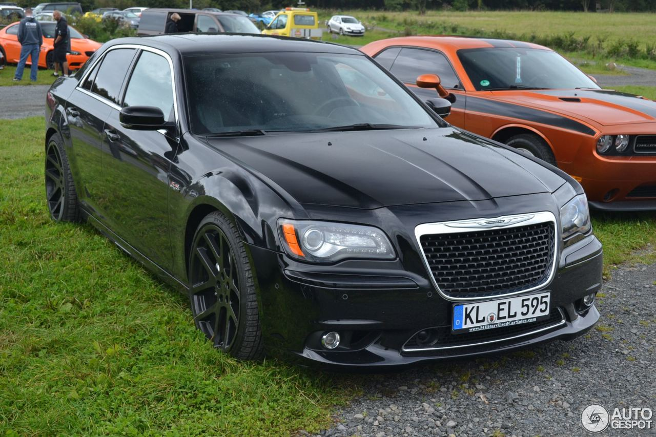 chrysler 300c srt8 2013 4 november 2015 autogespot. Black Bedroom Furniture Sets. Home Design Ideas
