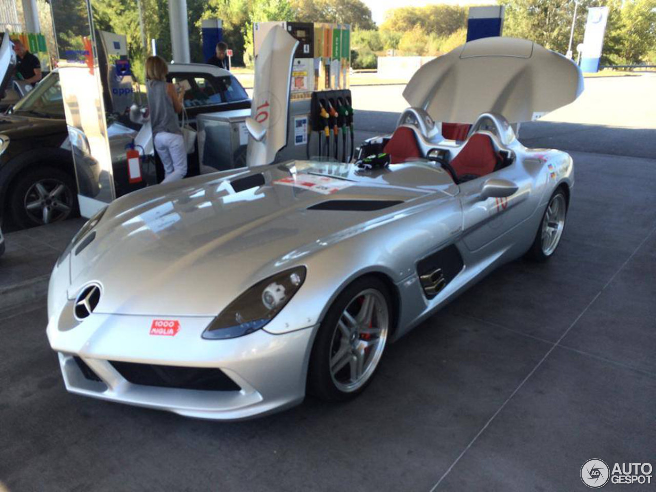 mercedes benz slr mclaren stirling moss 7 november 2015 autogespot. Black Bedroom Furniture Sets. Home Design Ideas