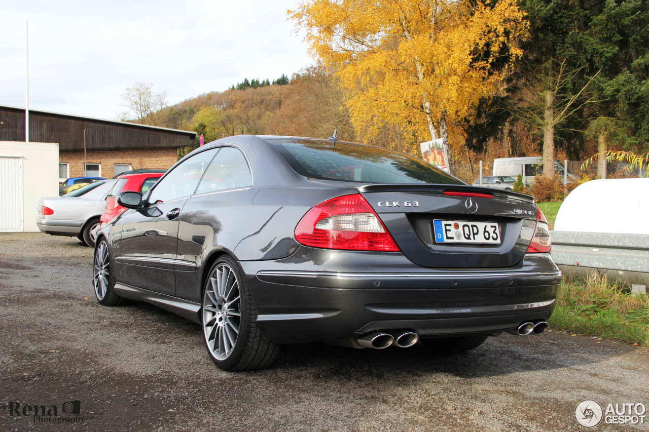 Mercedes benz clk 63 amg 8 november 2015 autogespot for Mercedes benz clk 63