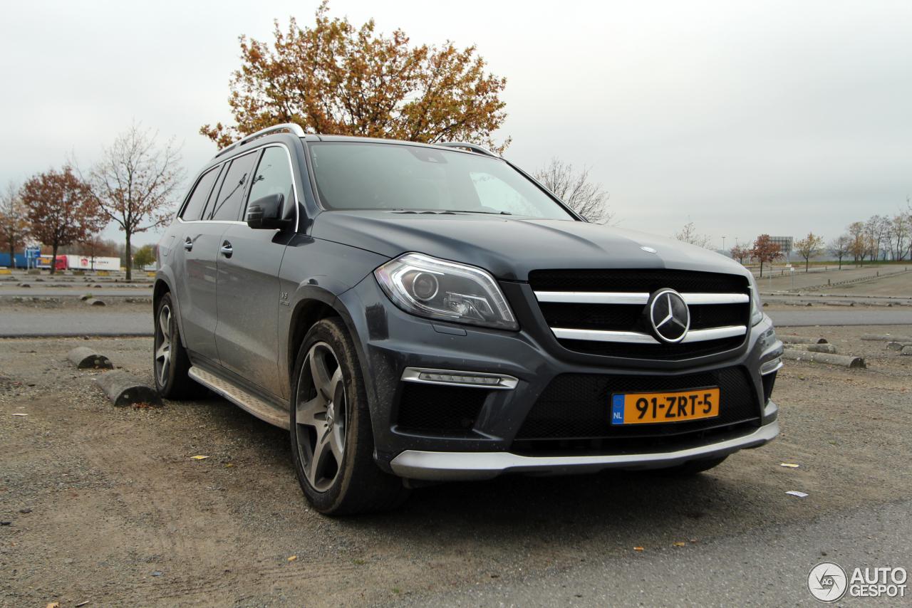 Mercedes benz gl 63 amg x166 10 november 2015 autogespot for Mercedes benz gl amg 2015