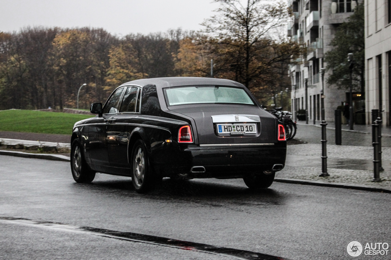 rolls royce phantom series ii 12 novembre 2015 autogespot. Black Bedroom Furniture Sets. Home Design Ideas