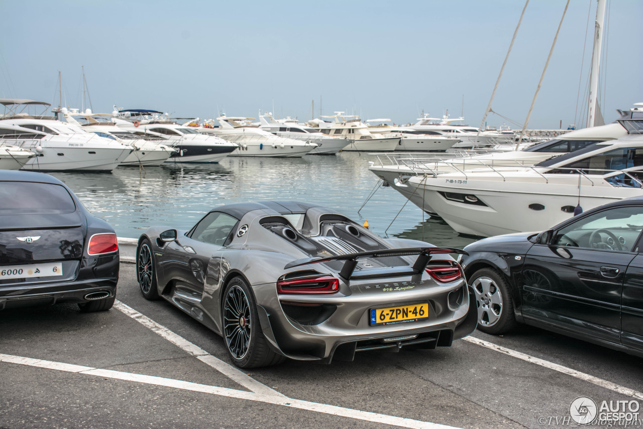 porsche 918 spyder weissach package 13 november 2015 autogespot. Black Bedroom Furniture Sets. Home Design Ideas