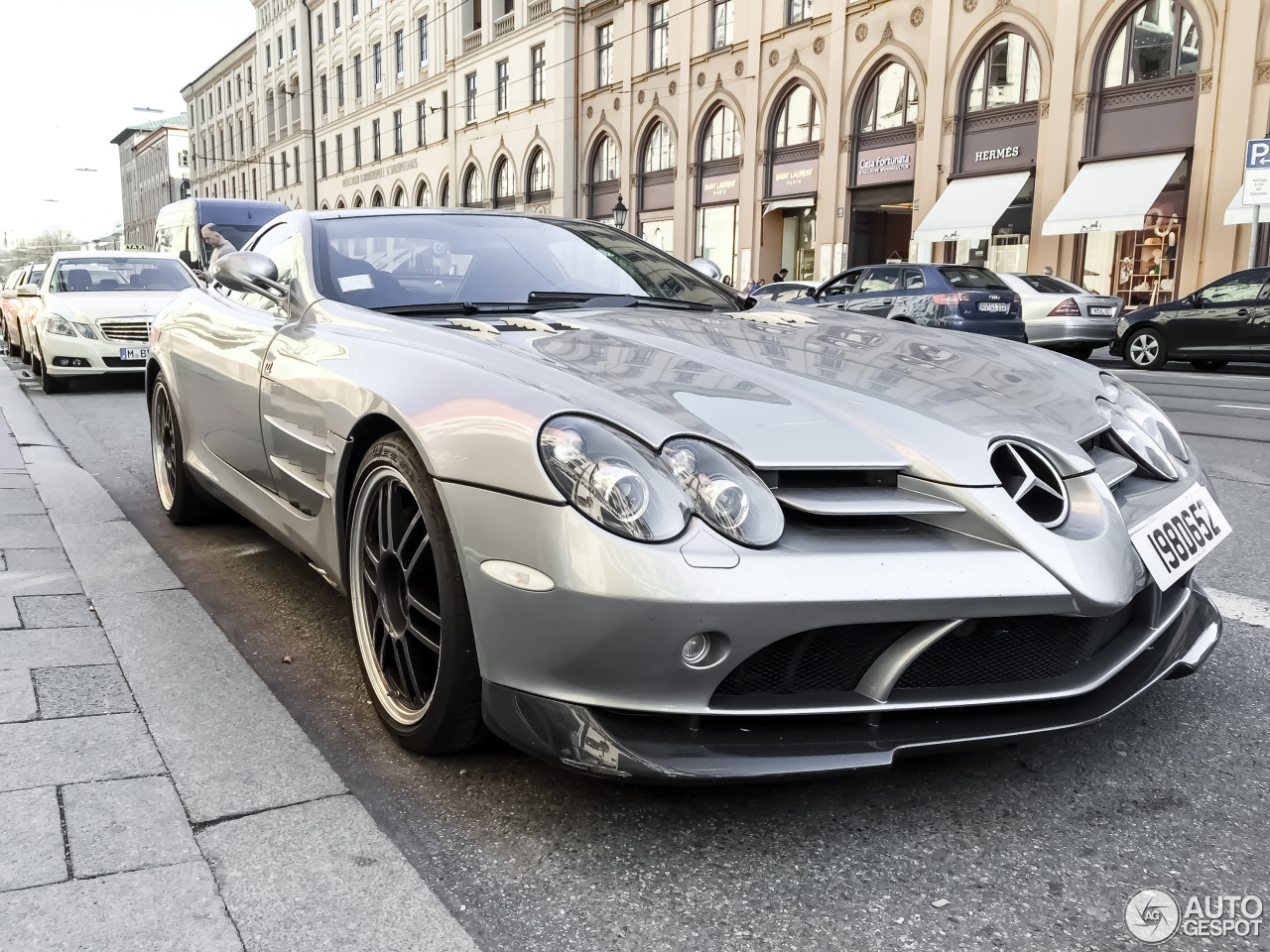 Mercedes benz slr mclaren 722 edition 16 november 2015 for Mercedes benz slr mclaren price