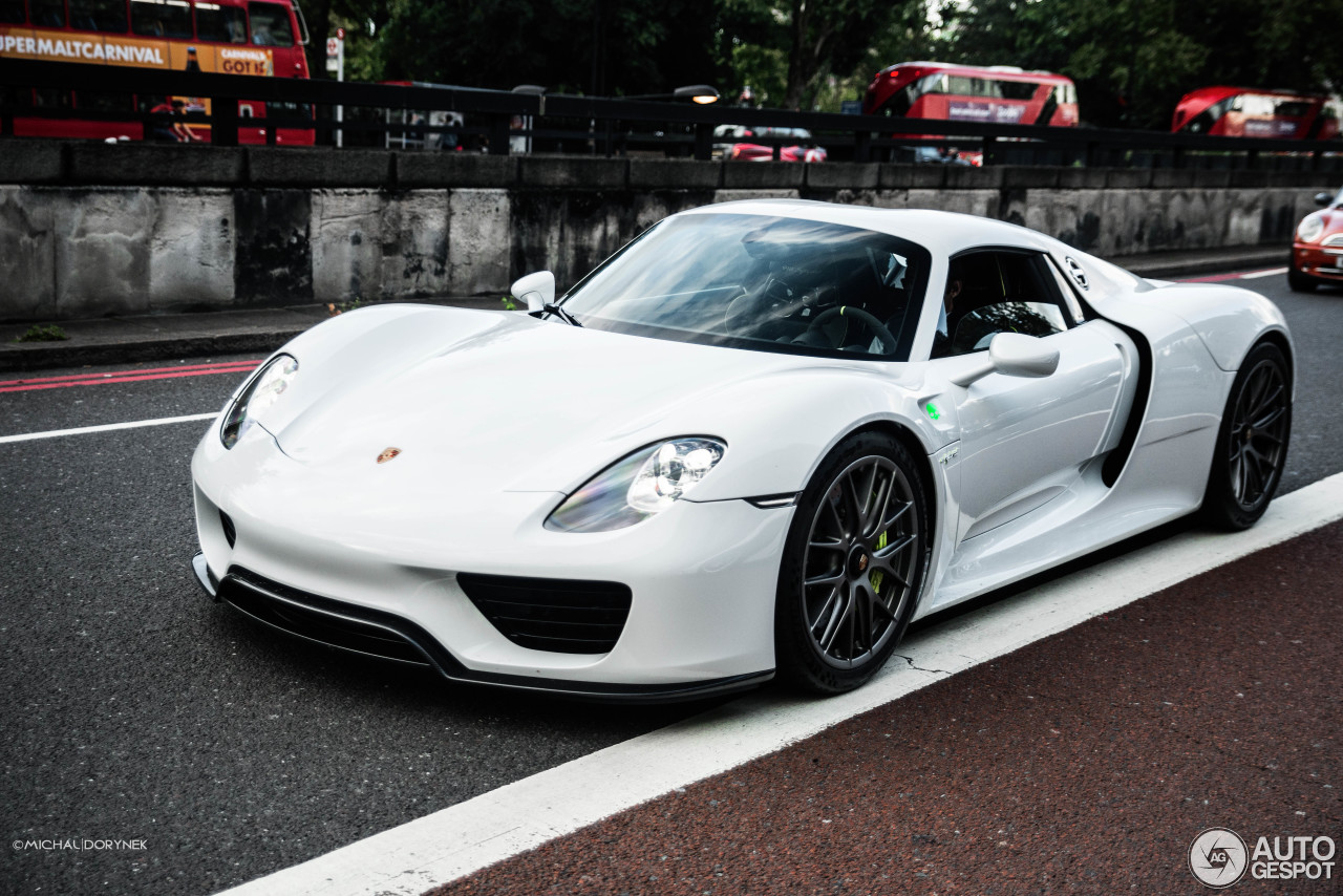 porsche 918 spyder 17 november 2015 autogespot. Black Bedroom Furniture Sets. Home Design Ideas