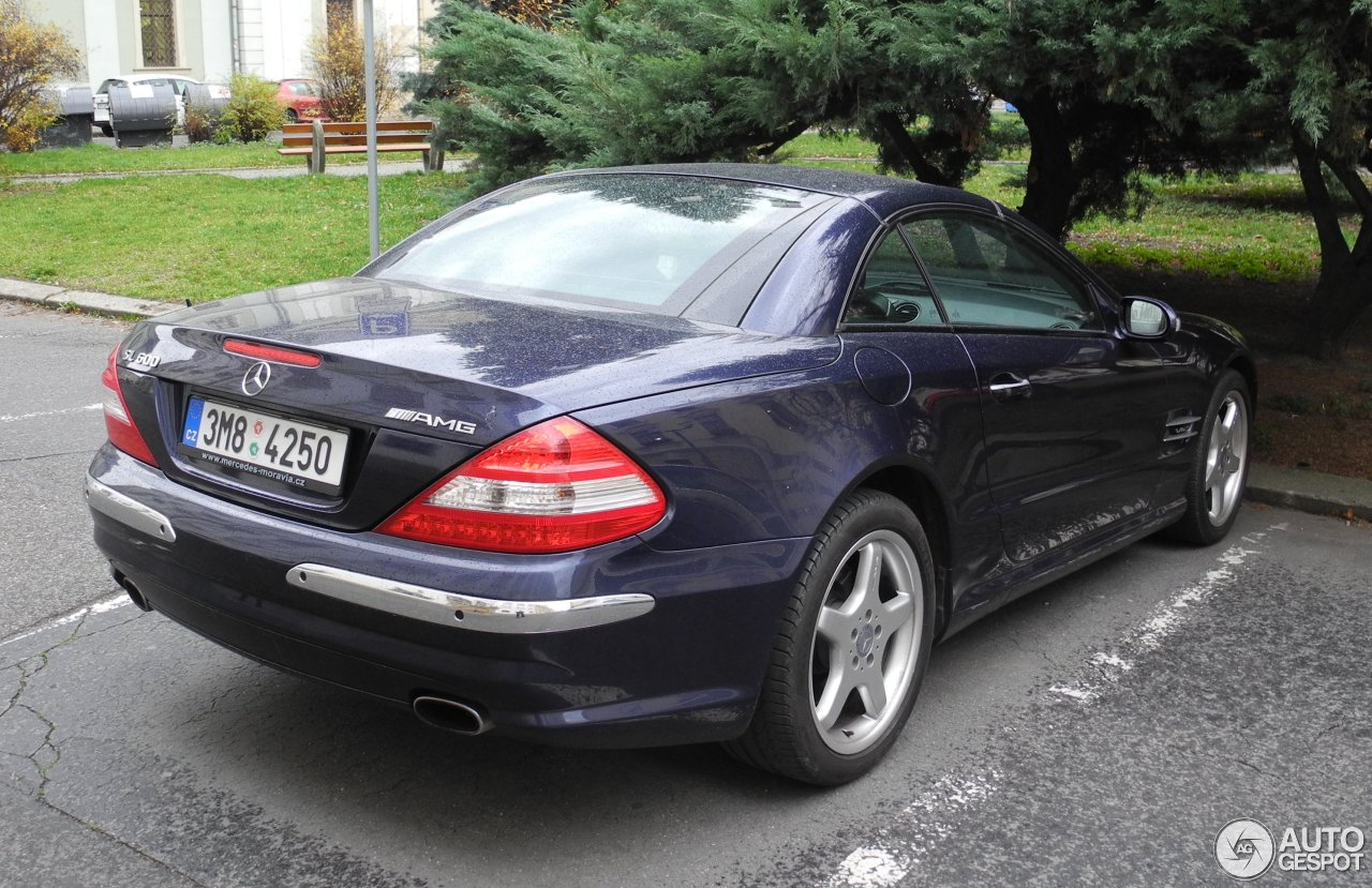 mercedes benz sl 600 r230 2006 19 november 2015 autogespot. Black Bedroom Furniture Sets. Home Design Ideas