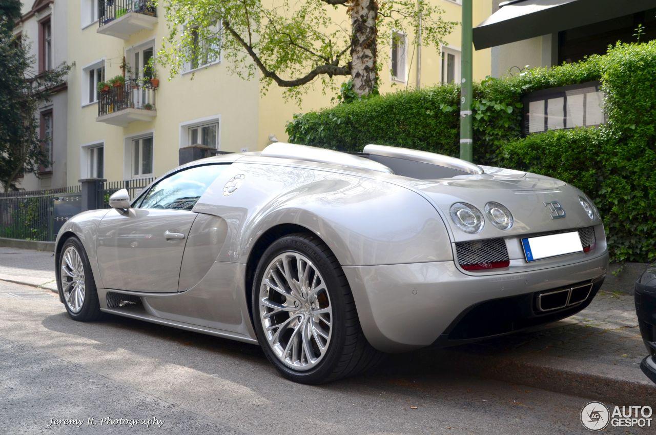 bugatti veyron 16 4 grand sport vitesse 20 november 2015. Black Bedroom Furniture Sets. Home Design Ideas