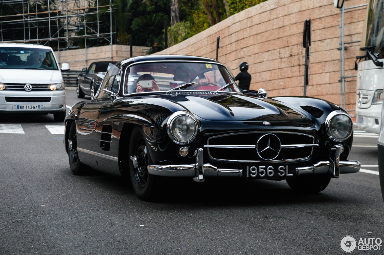 Mercedes benz 300sl gullwing 28 november 2015 autogespot for Mercedes benz 300sl gullwing for sale