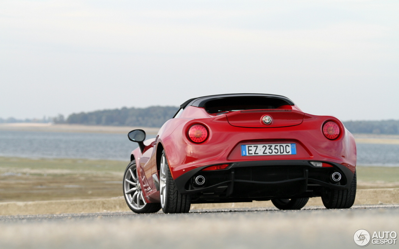 alfa romeo 4c spider 29 novembre 2015 autogespot. Black Bedroom Furniture Sets. Home Design Ideas