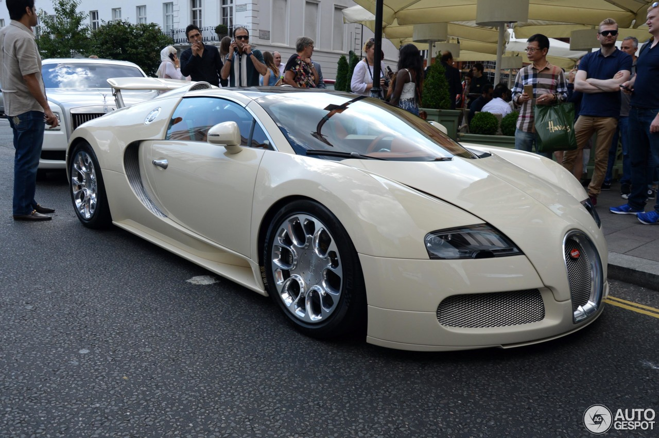 bugatti veyron 16 4 grand sport 30 november 2015 autogespot. Black Bedroom Furniture Sets. Home Design Ideas