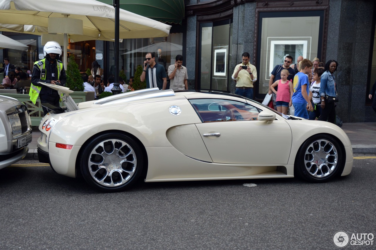 bugatti veyron 16 4 grand sport 30 november 2015 autogespot. Black Bedroom Furniture Sets. Home Design Ideas