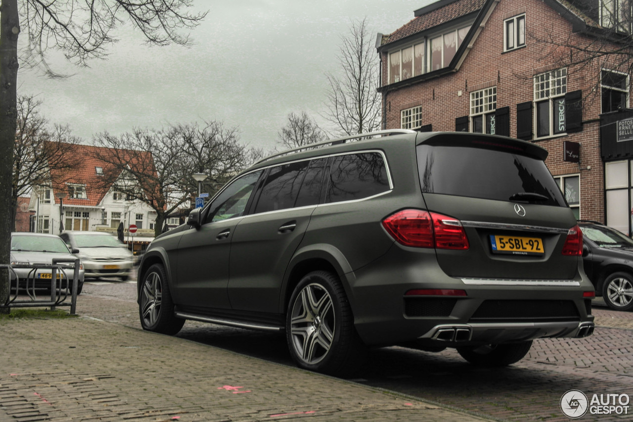 Mercedes benz gl 63 amg x166 7 december 2015 autogespot for Mercedes benz gl amg 2015