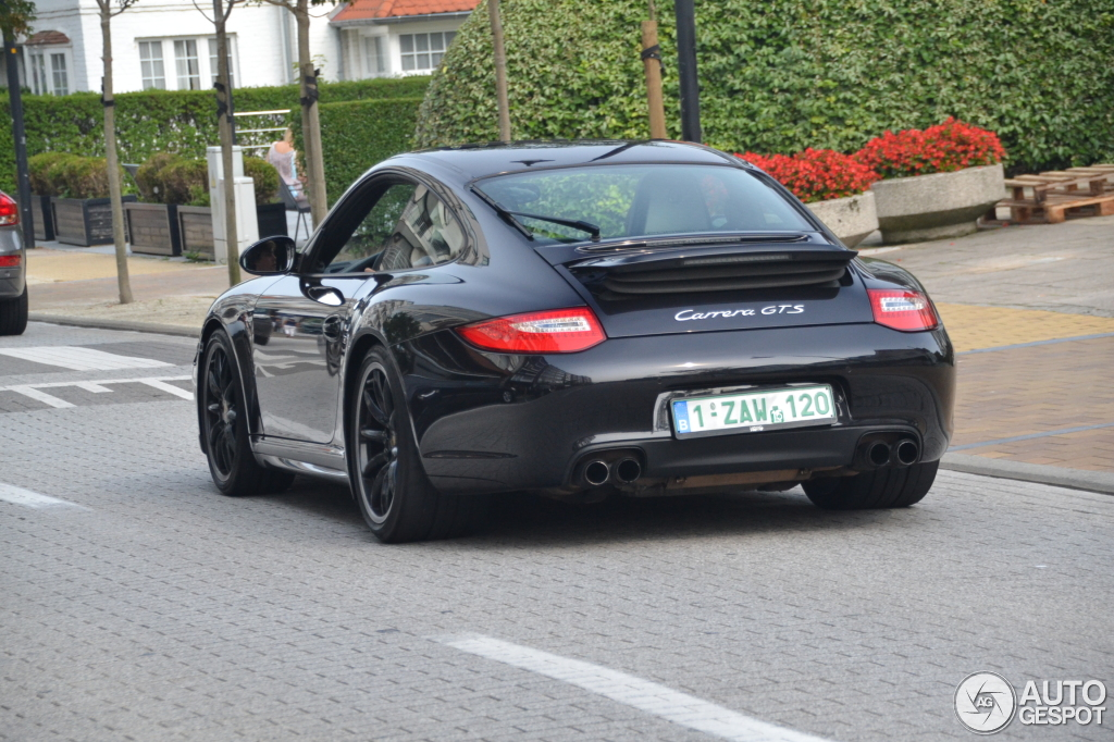 porsche 997 carrera gts 11 december 2015 autogespot. Black Bedroom Furniture Sets. Home Design Ideas
