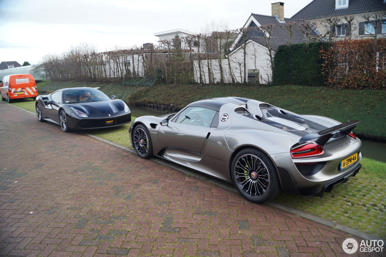 porsche 918 spyder weissach package 13 december 2015 autogespot. Black Bedroom Furniture Sets. Home Design Ideas
