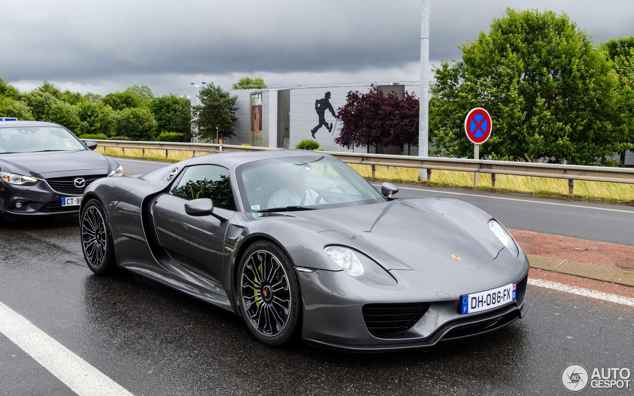 porsche 918 spyder 18 dcembre 2015 autogespot. Black Bedroom Furniture Sets. Home Design Ideas