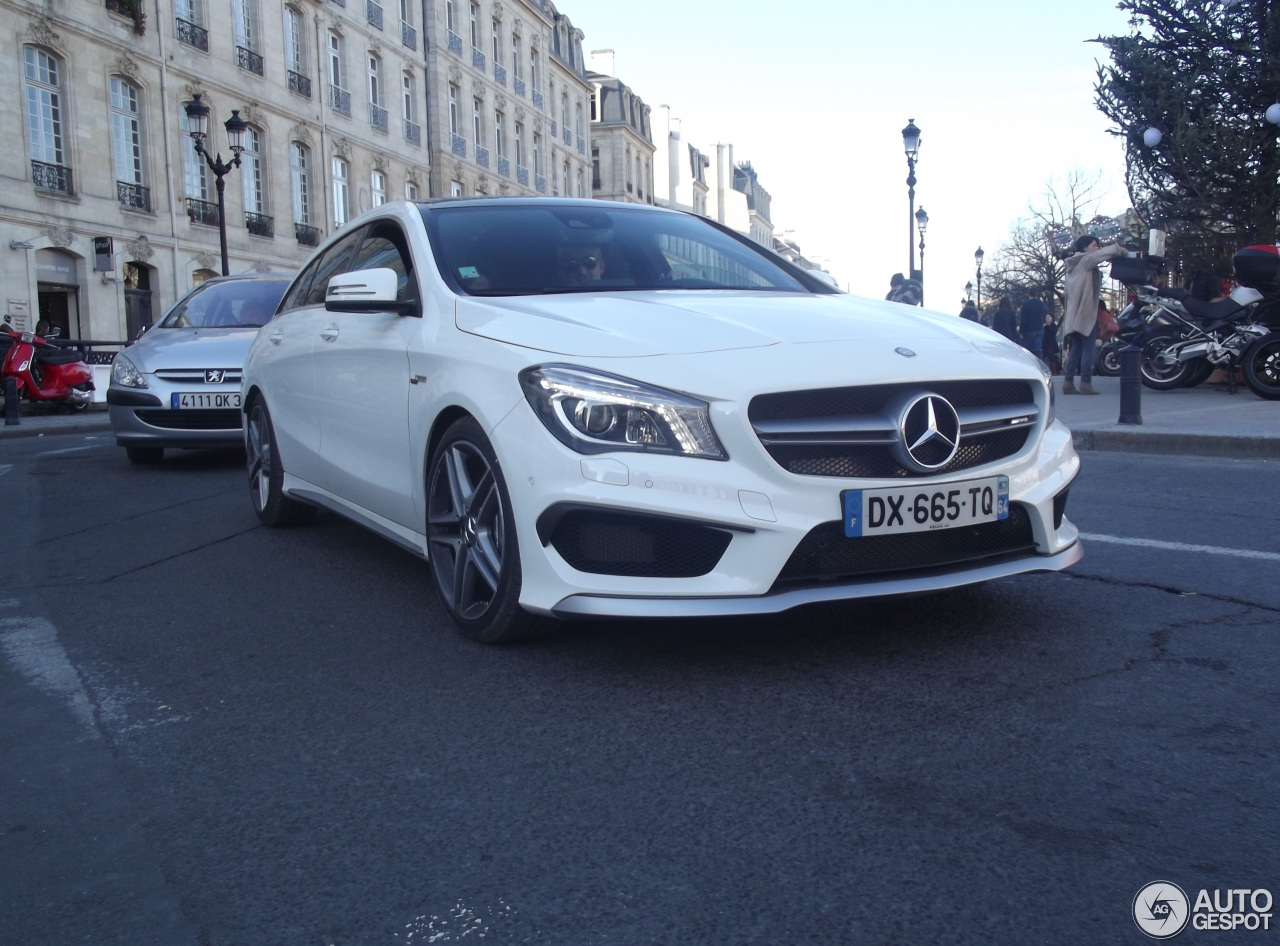 mercedes benz cla 45 amg shooting brake 19 dcembre 2015 autogespot. Black Bedroom Furniture Sets. Home Design Ideas