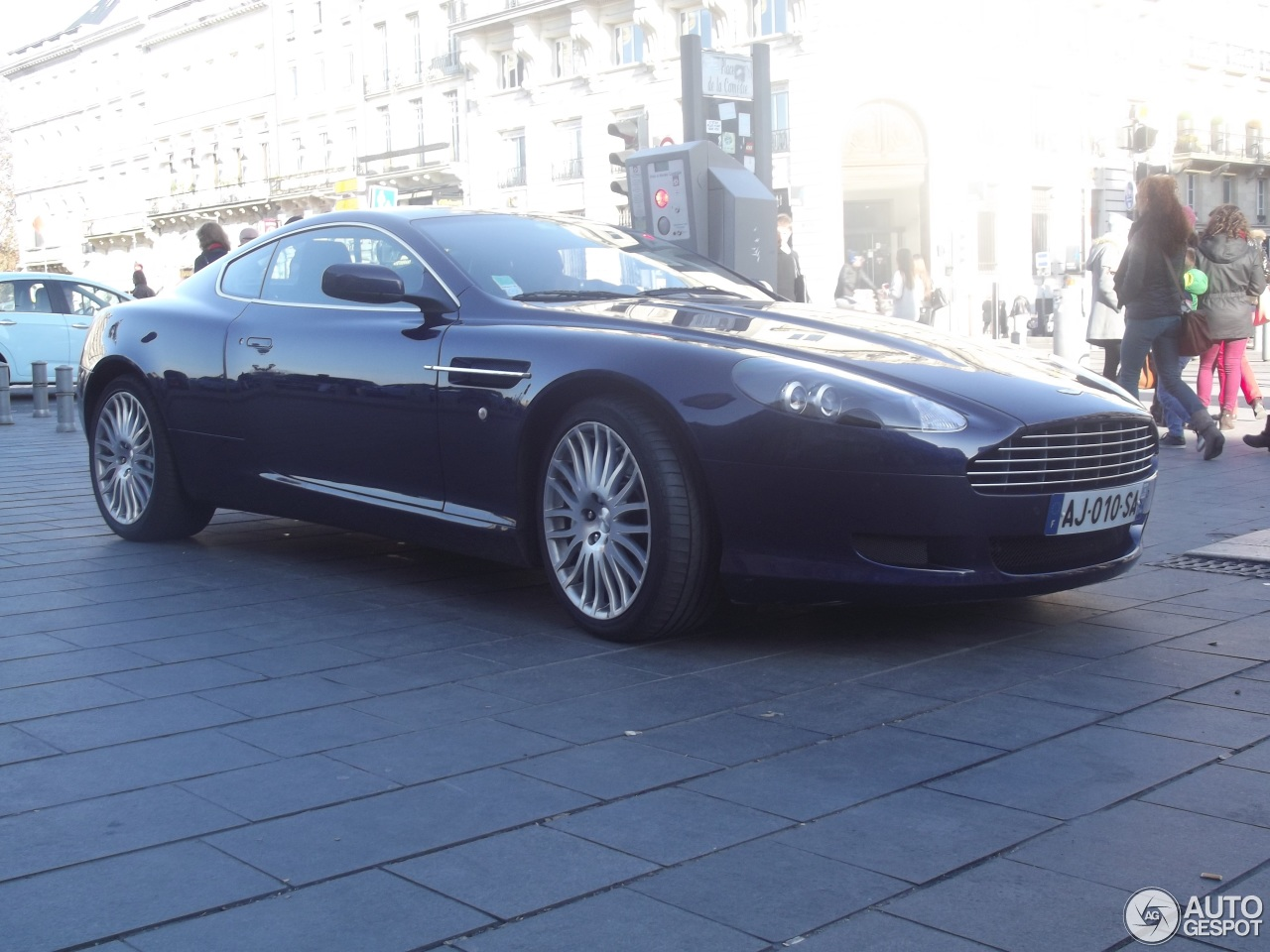 aston martin db9 22 december 2015 autogespot. Black Bedroom Furniture Sets. Home Design Ideas
