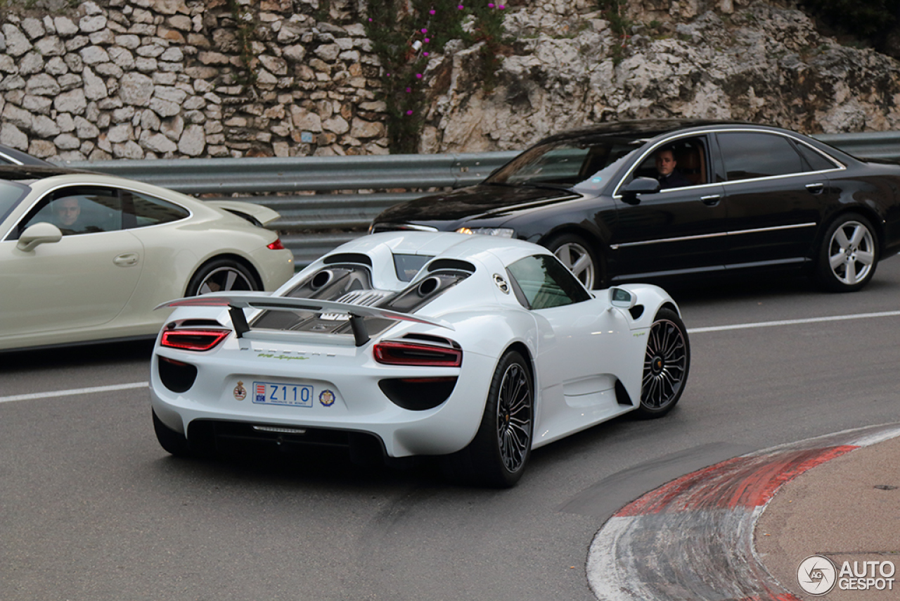 porsche 918 spyder 24 december 2015 autogespot. Black Bedroom Furniture Sets. Home Design Ideas