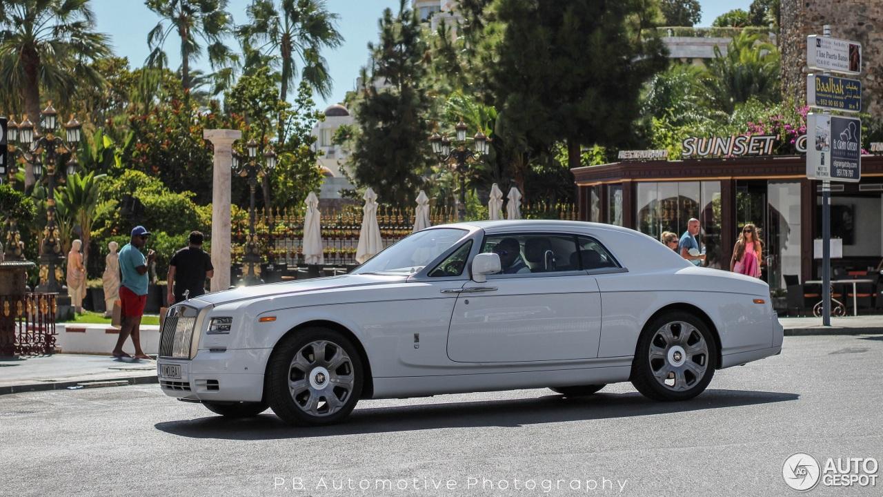 rolls royce phantom coupe series ii c642325122015223531. Black Bedroom Furniture Sets. Home Design Ideas