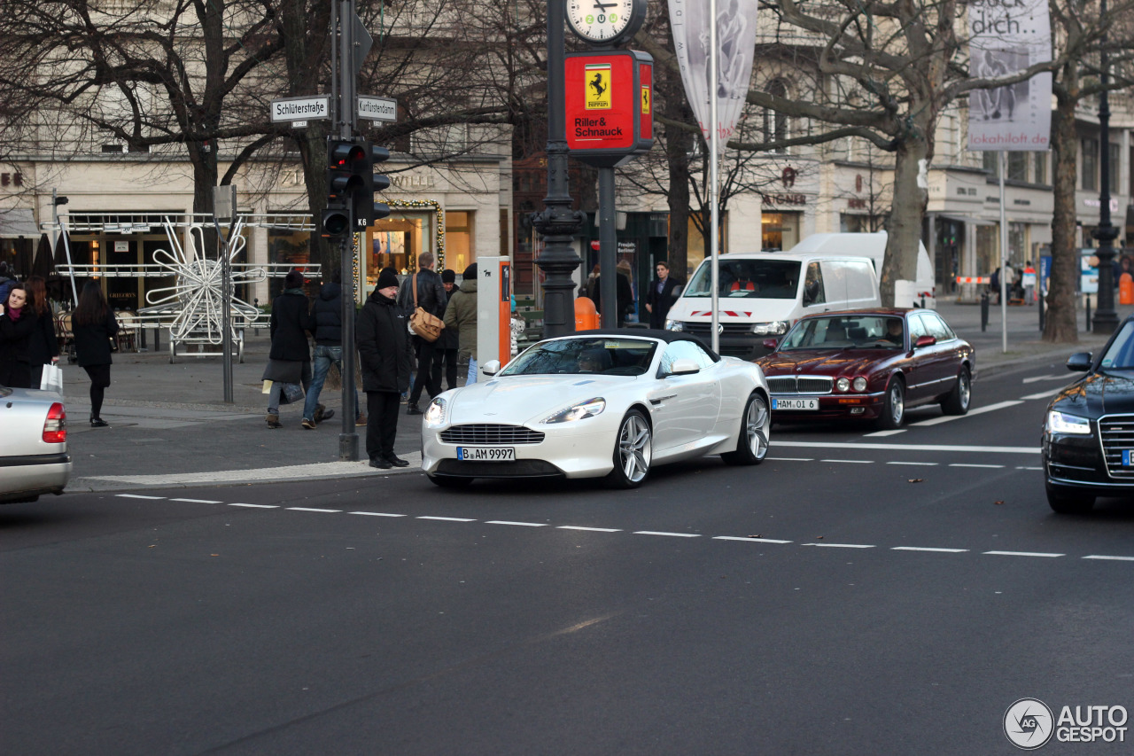 Aston Martin DB9 Volante 2013 8