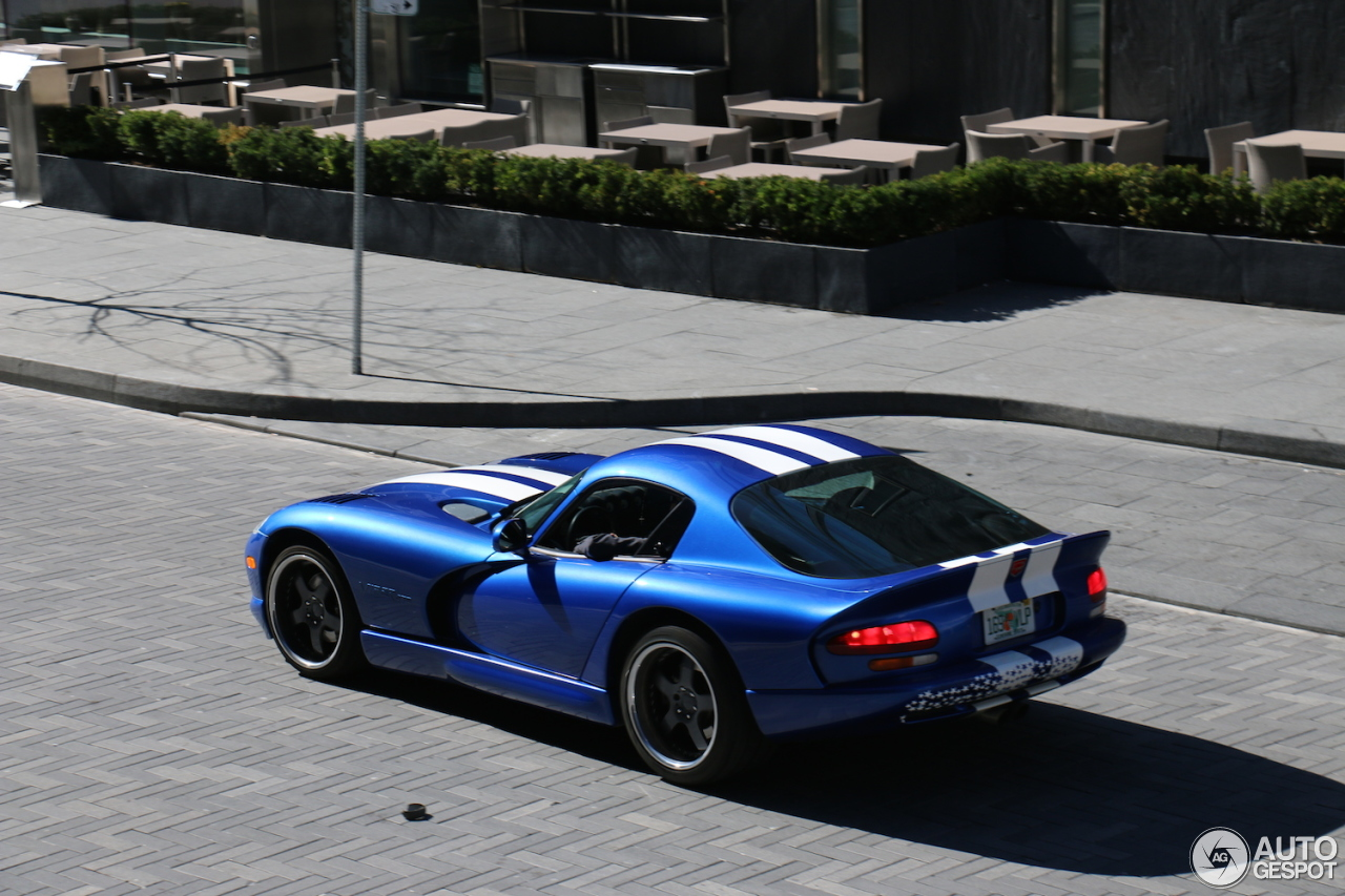 dodge viper gts 31 december 2015 autogespot. Black Bedroom Furniture Sets. Home Design Ideas
