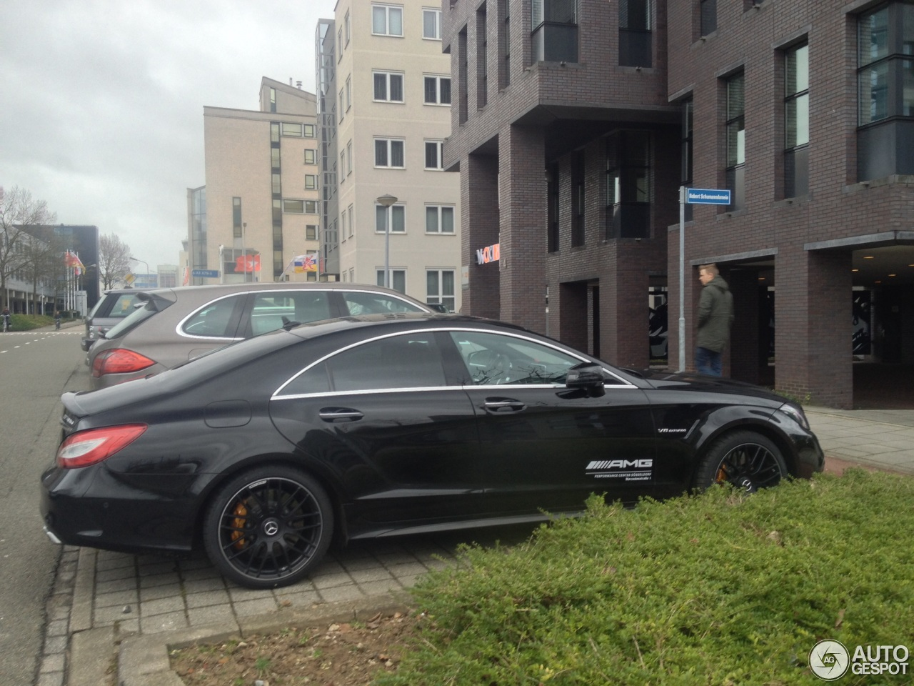 Mercedes benz cls 63 amg s c218 2015 10 january 2015 for Mercedes benz cls series