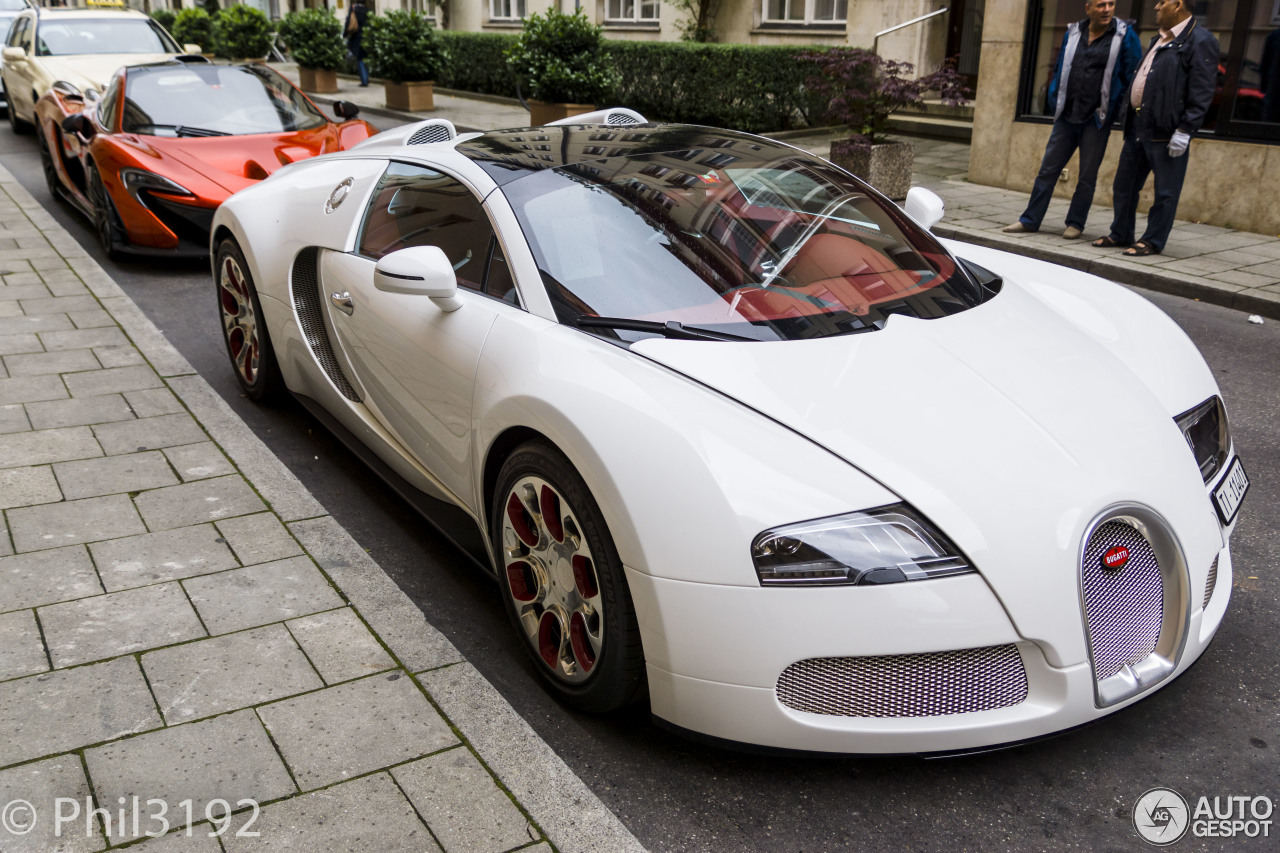 bugatti veyron 16 4 grand sport wei long 2012 13 february 2015 autogespot. Black Bedroom Furniture Sets. Home Design Ideas