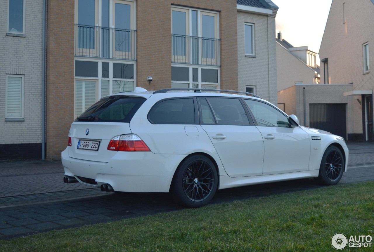 bmw m5 e61 touring 5 march 2015 autogespot. Black Bedroom Furniture Sets. Home Design Ideas