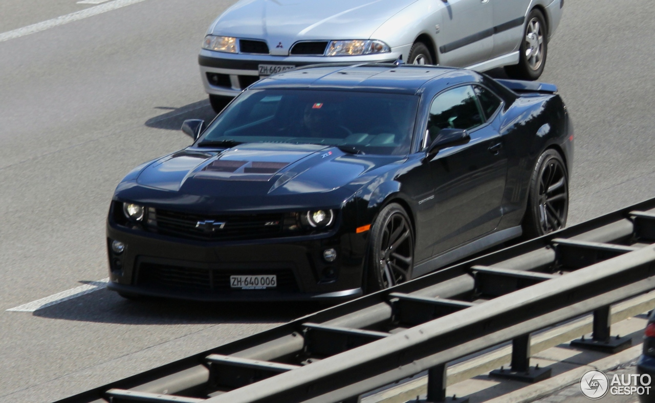 Chevrolet Camaro Zl1 14 March 2015 Autogespot