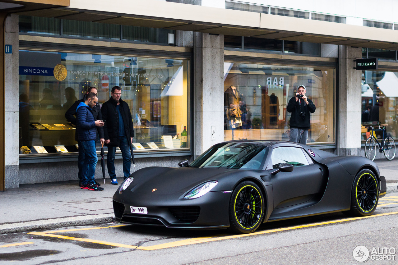 porsche 918 spyder weissach package 21 mars 2015. Black Bedroom Furniture Sets. Home Design Ideas