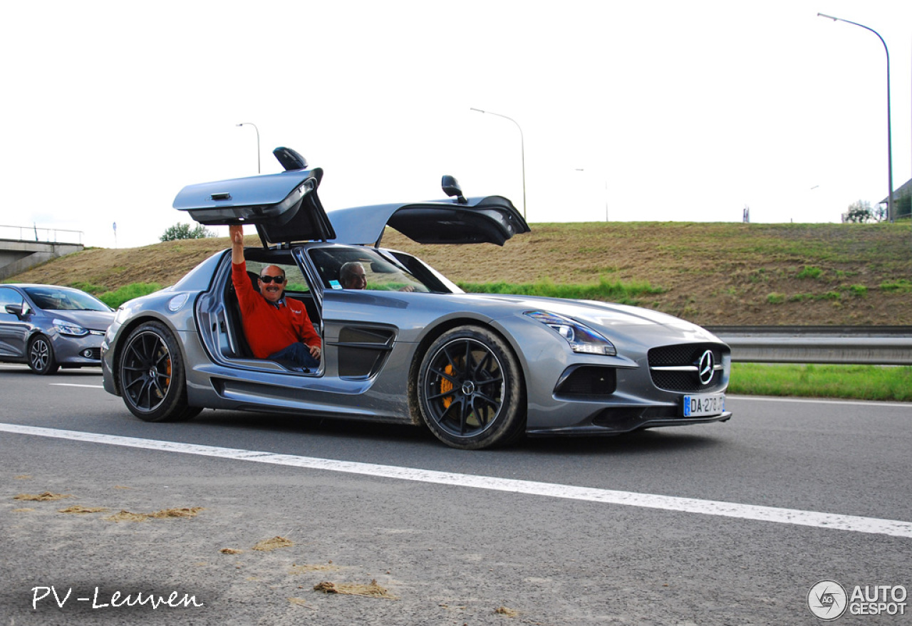 Mercedes benz sls amg black series 3 april 2015 autogespot for Mercedes benz amg black