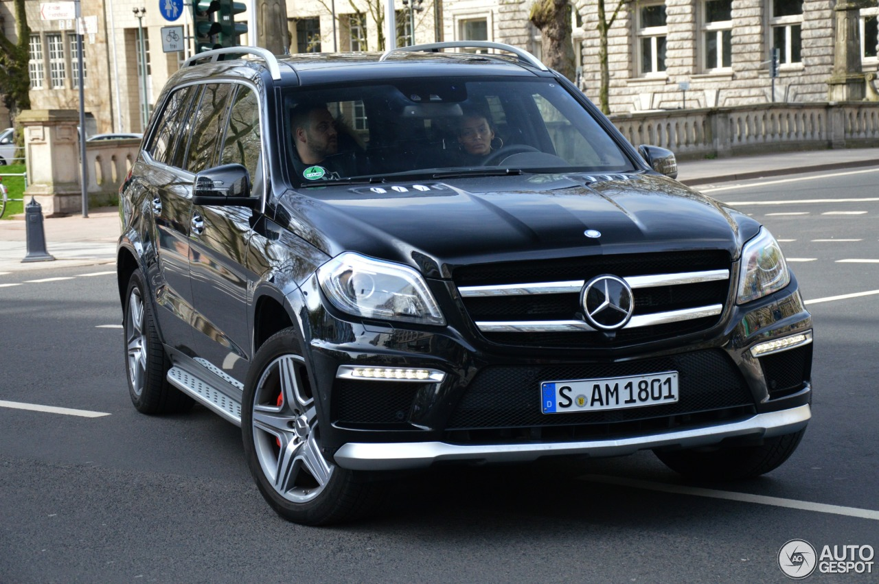 Mercedes benz gl 63 amg x166 13 april 2015 autogespot for Mercedes benz gl amg 2015