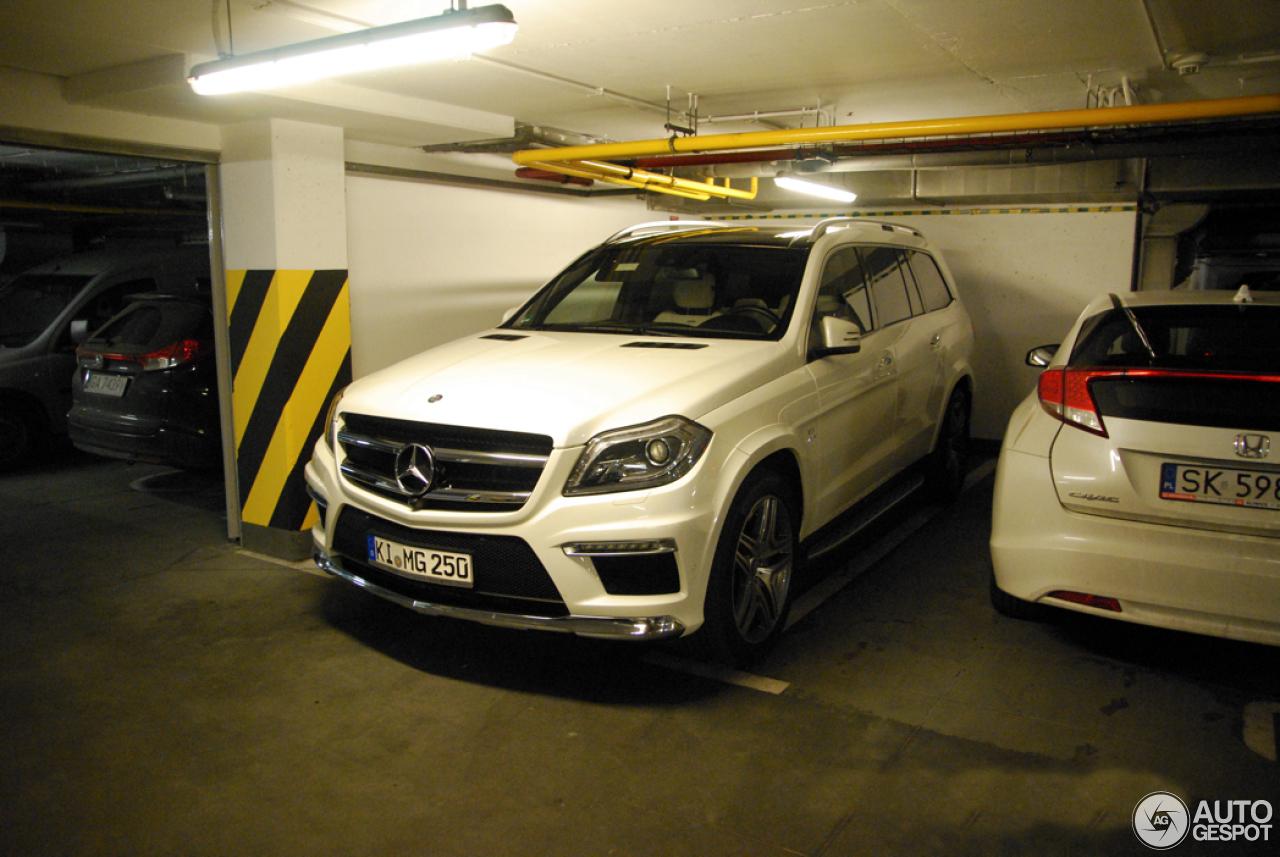 Mercedes benz gl 63 amg x166 30 kwiecie 2015 autogespot for Mercedes benz gl series