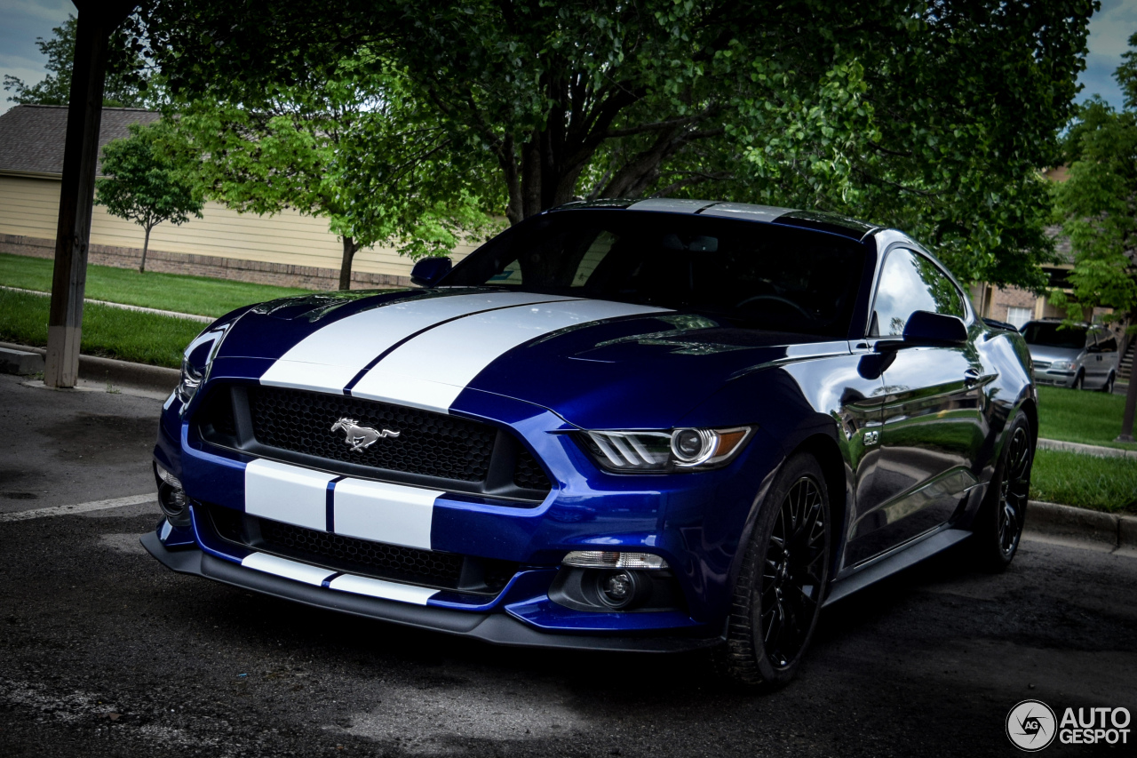 Colour Combination With Blue Ford Mustang Gt 2015 7 May 2015 Autogespot