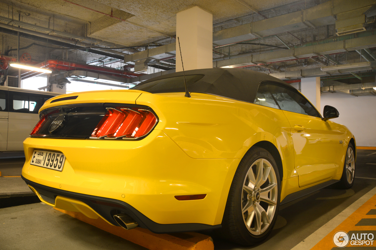 ford mustang gt 50th anniversary convertible 19 may 2015 autogespot. Black Bedroom Furniture Sets. Home Design Ideas