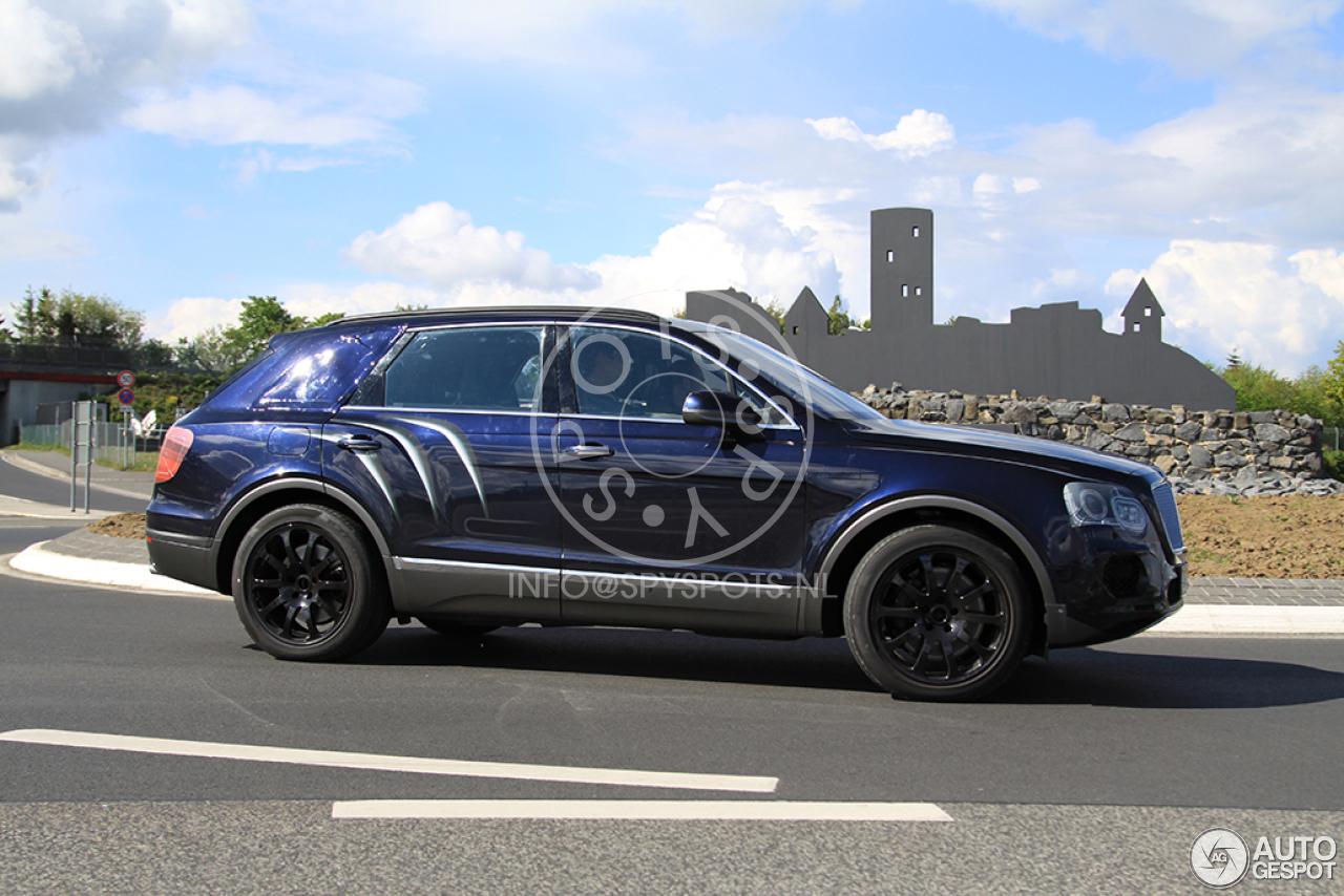 2016 Bentley Bentayga (SUV) 50