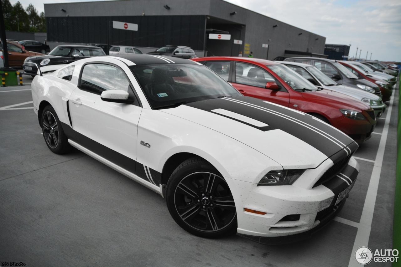 Ford Mustang Gt California Special 2013 24 May 2015