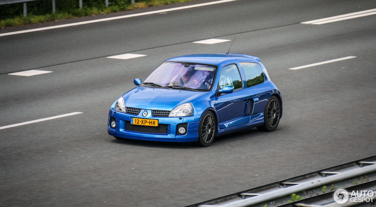 renault clio v6 phase ii 28 may 2015 autogespot. Black Bedroom Furniture Sets. Home Design Ideas