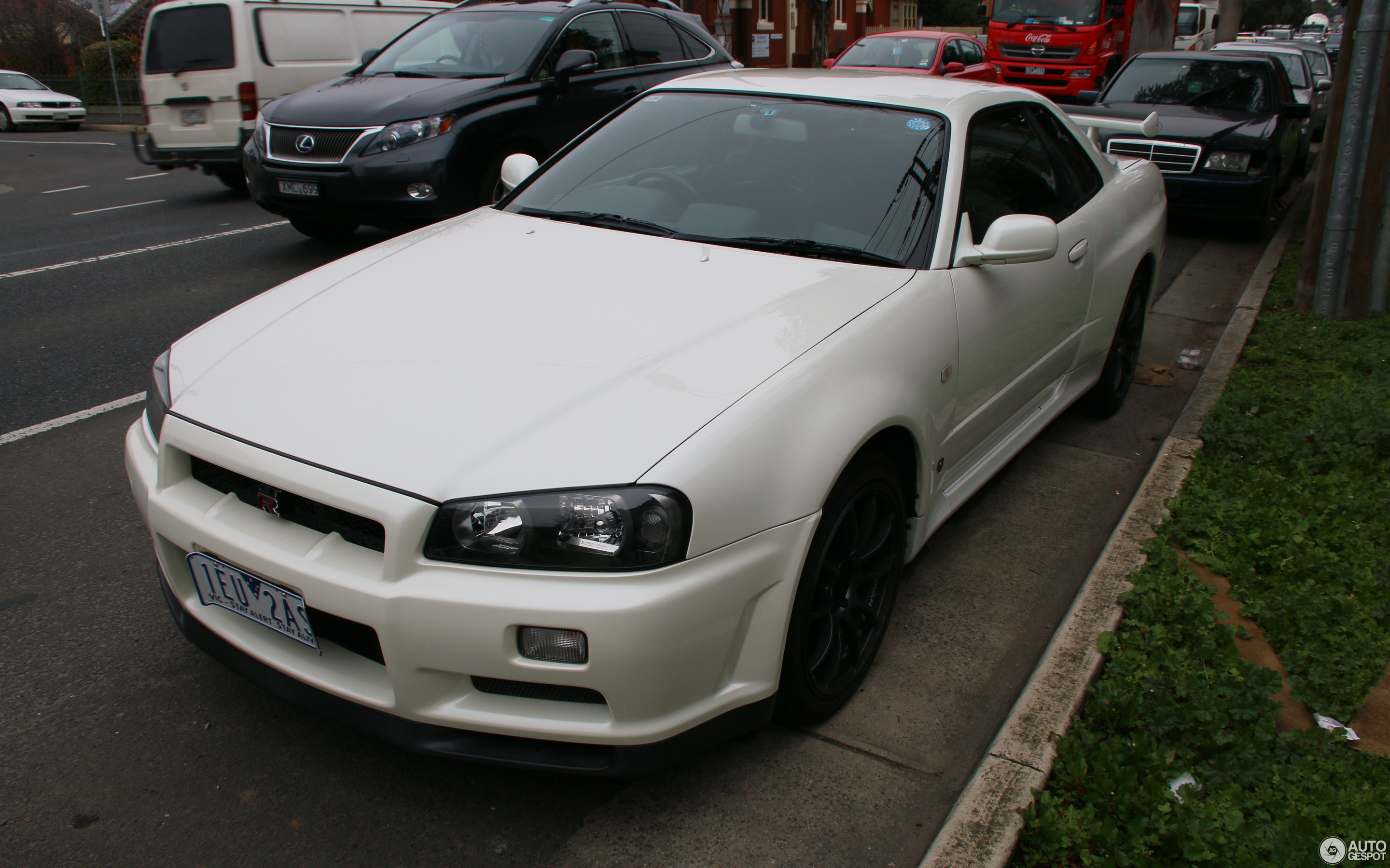 nissan skyline r34 gt r 12 juni 2015 autogespot. Black Bedroom Furniture Sets. Home Design Ideas
