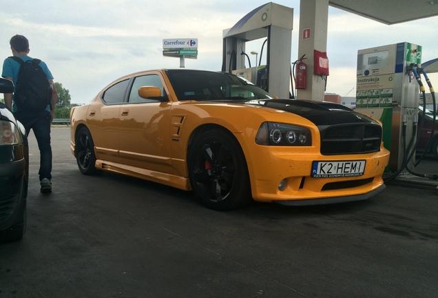 Dodge Charger SRT-8