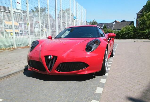Alfa Romeo 4C Coupé