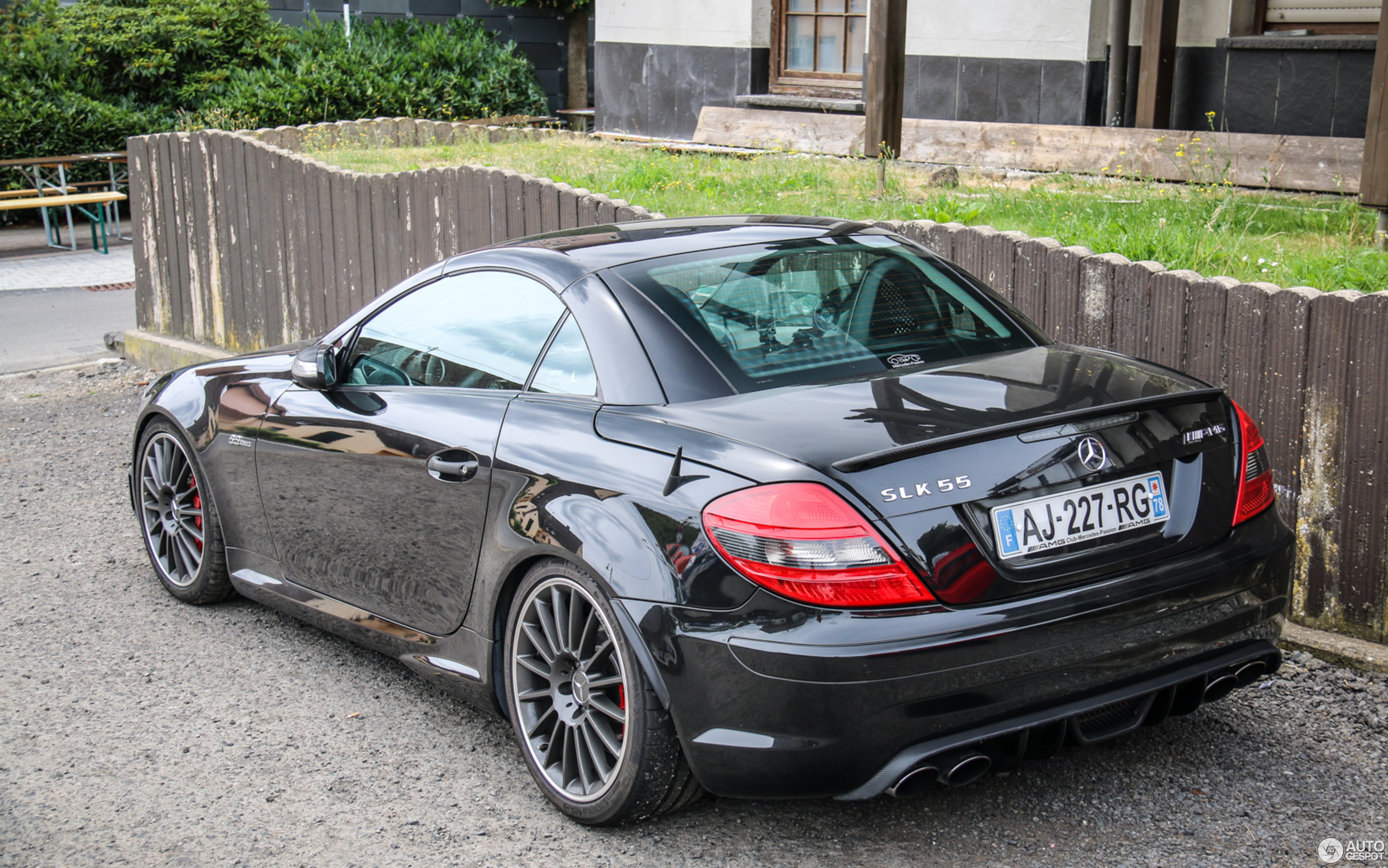 mercedes benz slk 55 amg r171 12 juillet 2015 autogespot. Black Bedroom Furniture Sets. Home Design Ideas