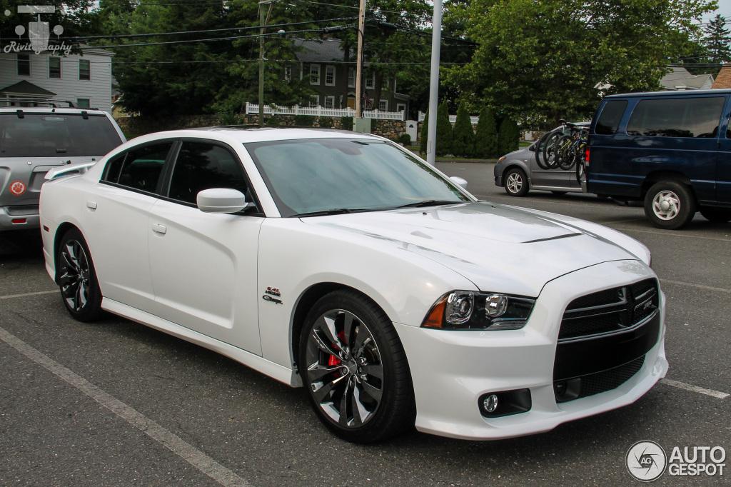 Dodge Charger Srt 8 2012 13 July 2015 Autogespot