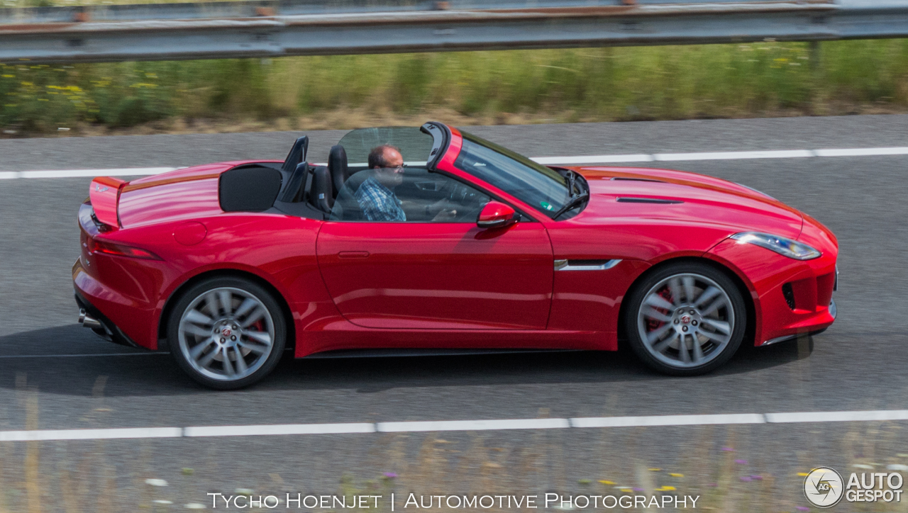 Jaguar F-TYPE R Convertible - 15 July 2015 - Autogespot