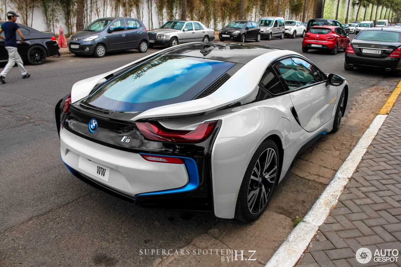 bmw i8 28 juillet 2015 autogespot. Black Bedroom Furniture Sets. Home Design Ideas